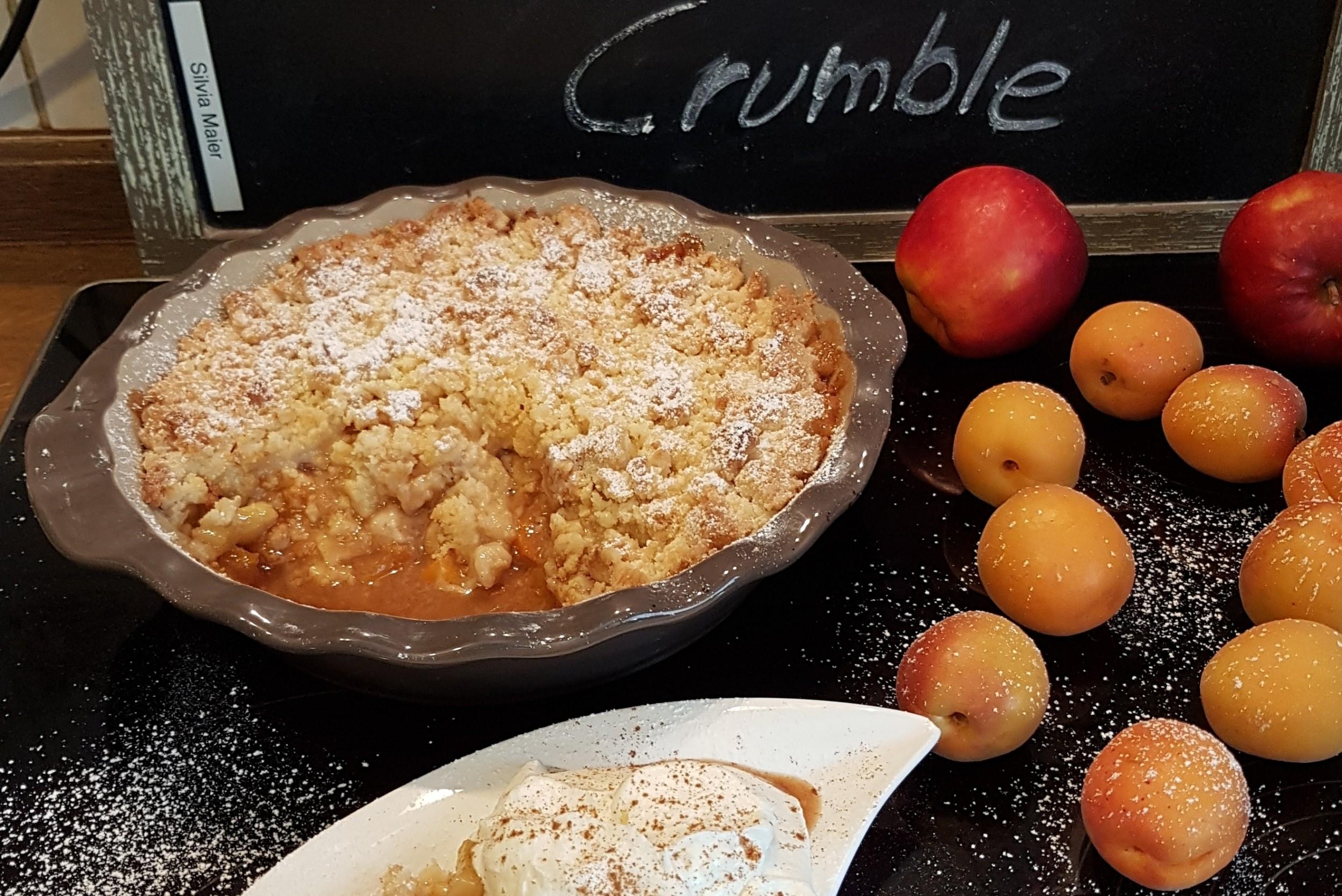 Aprikosen-Apfel-Crumble