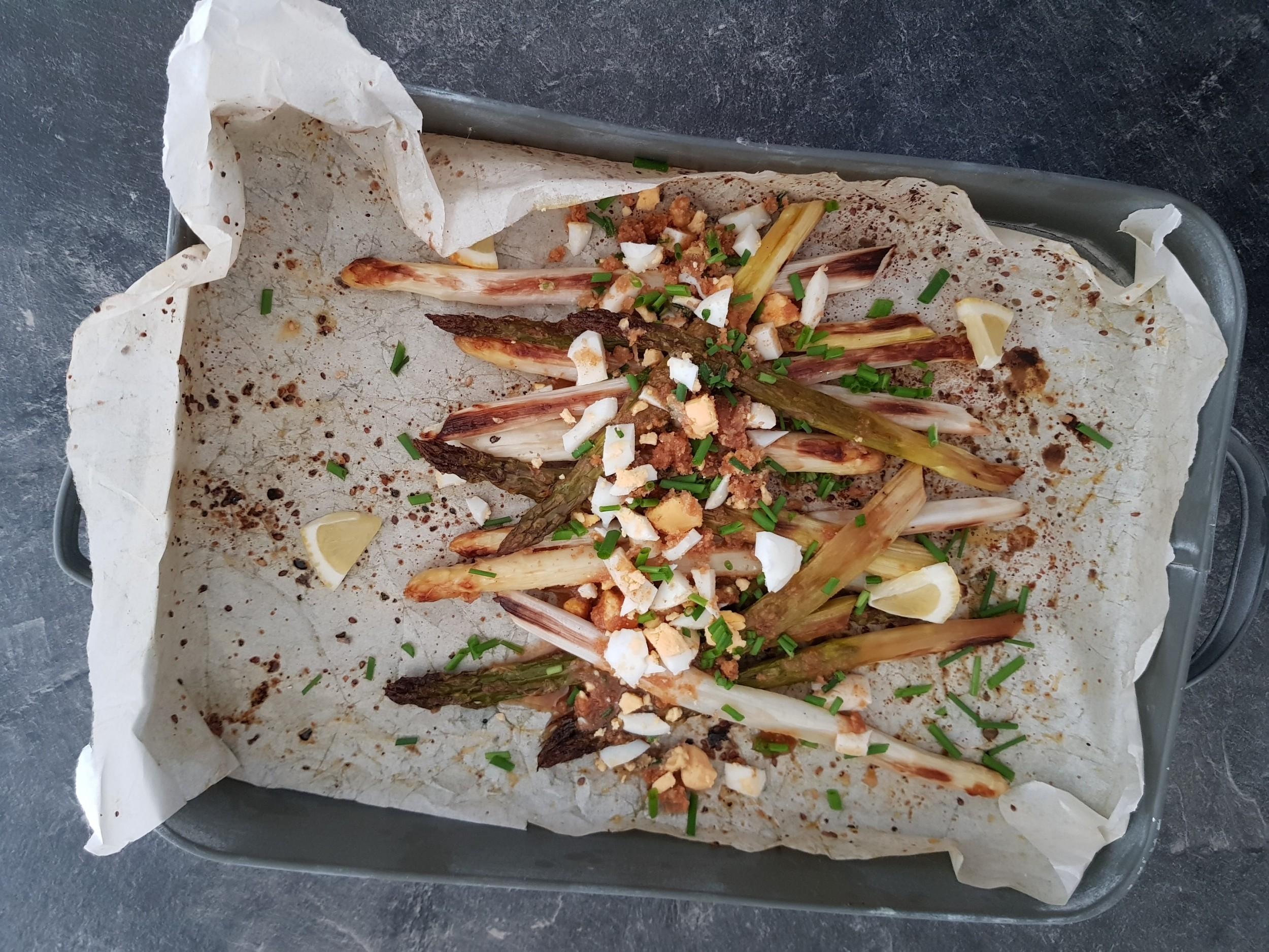 Ofenspargel mit Rotbarbenfilets und Kartoffeln